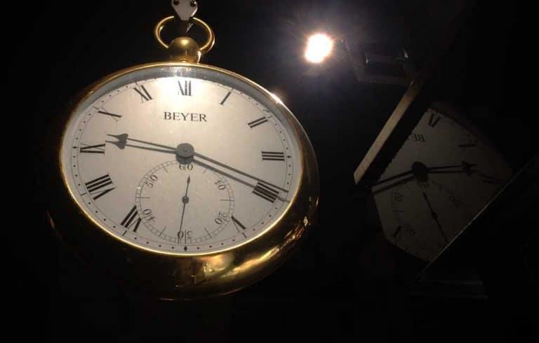 beyer clock zurich bahnhofstrasse